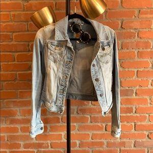 Jackets & Blazers - ABERCROMBIE distressed denim jacket